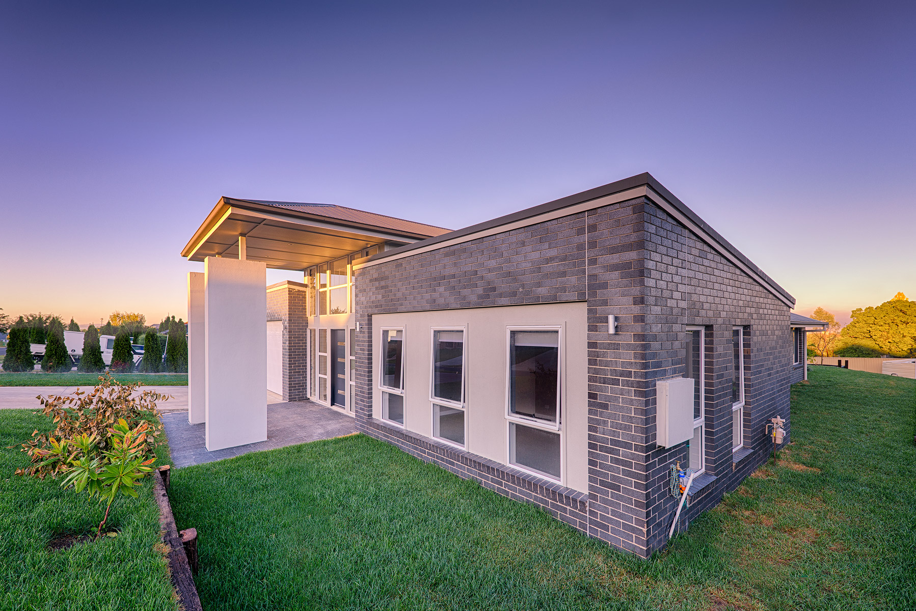 James barnet drive house bathurst for Courtyard designs bathurst